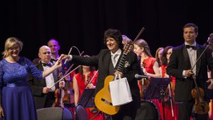 Canizares at the end of the Concierto Al-Andalus