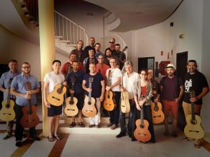 Cañizares with guitarists from all over the world