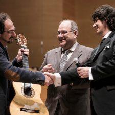 バルセロナ音楽博物館にカニサレスモデルのギターを寄贈