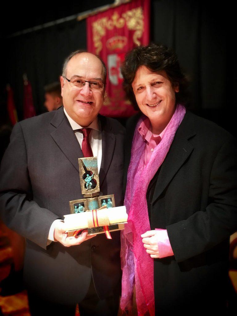 Entrega de premio a Vicente Carrillo