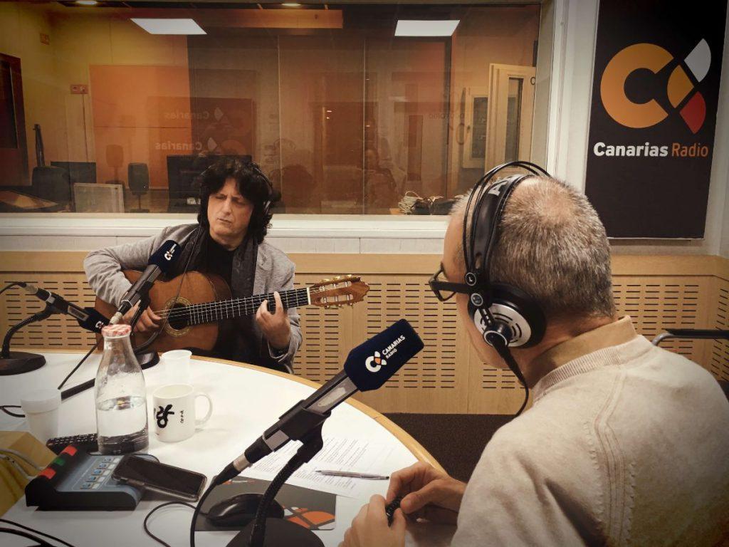 Cañizares atiende una entrevista en Canarias Radio