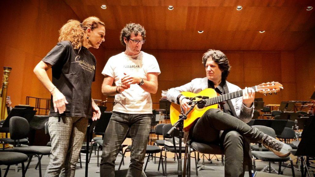 Ensayo Cañizares con Angel y Charo en el escenario